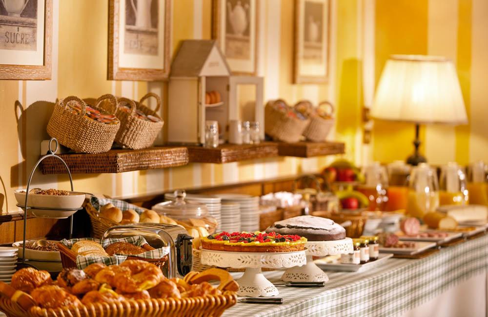 hotel brescia hotel ambasciatori breakfast
