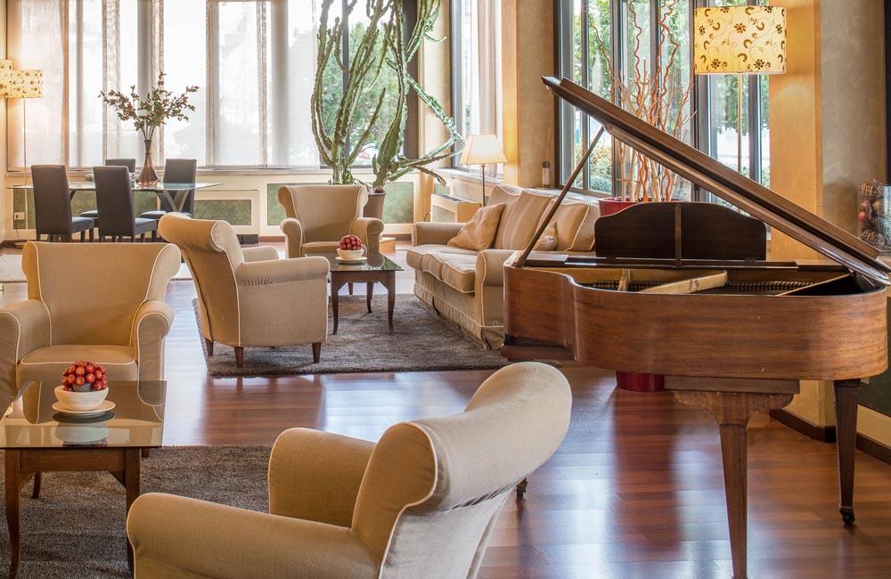 Sala Pianoforte  Hotel Ambasciatori Brescia