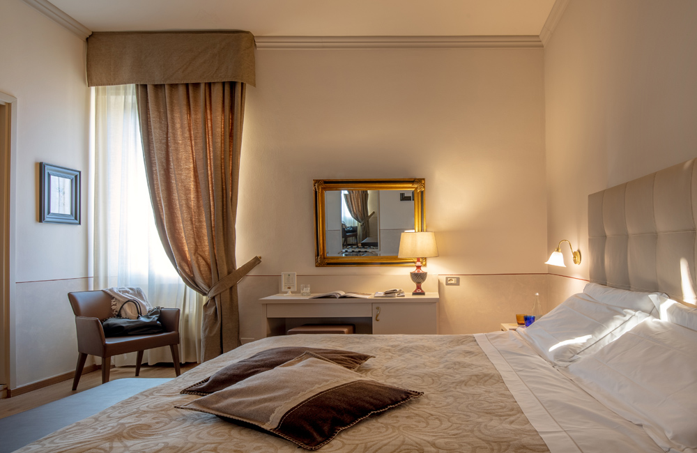 Camera Matrimoniale A Brescia.Camera Matrimoniale Strandard Hotel Ambasciatori Brescia Hotel