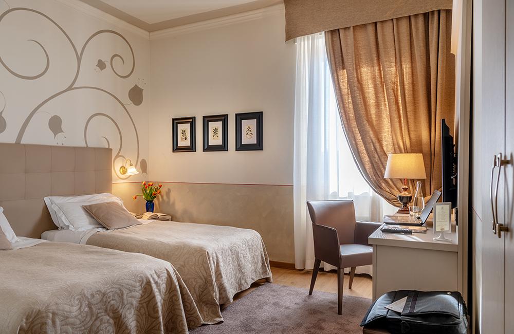 hotel ambasciatori brescia superior twin room